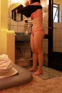 夏休み明けは子守に疲れきって欲求不満の人妻に出会いやすい!?